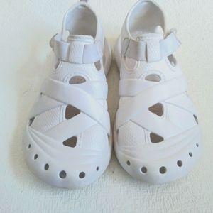 white sandals plastic for summer